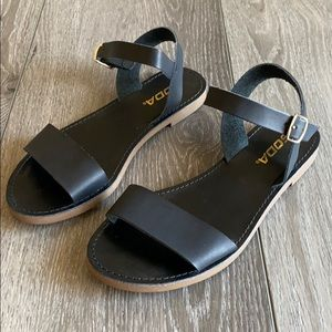 Soda Shoes - Sandal flats
